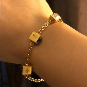 Louis vuitton gamble bracelet how many spins an hour in roulette